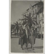 Carte photo Cannes devant l'hôtel beausite vers 1925
