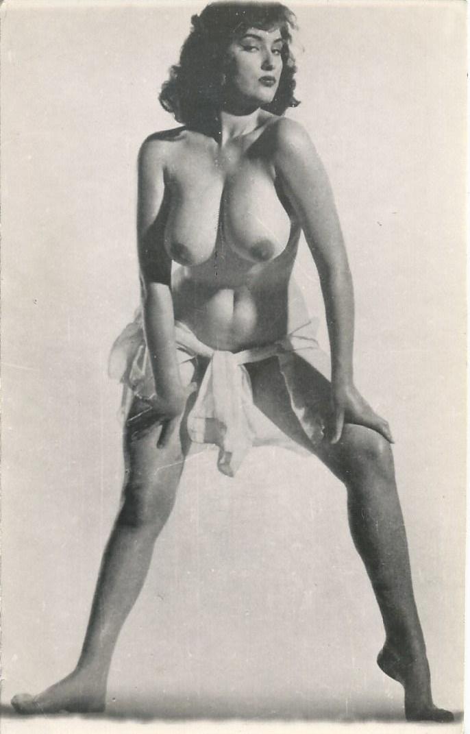 Tube gratuit vido de Femme Mature nue - porno XXX TuKif